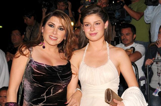 La cantante Dulce vive alejada de su hija por temor al ex de Ninel Conde