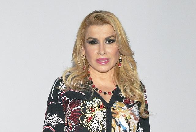 Dulce insiste en que Juan Gabriel procreó otros dos hijos