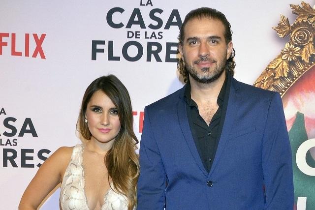 Dulce María anuncia su compromiso con Paco Álvarez