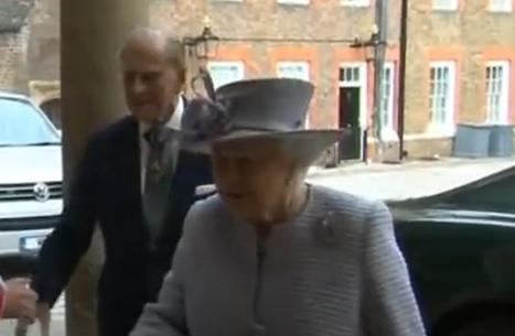 Duque Felipe, esposo de la Reina Isabel II, es hospitalizado