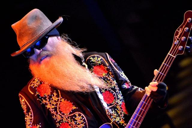 Murió el bajista de ZZ Top Dusty Hill a los 72 años