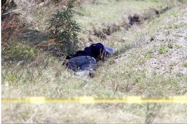 Hallan dos cadáveres maniatados en Tepeaca y Los Reyes de Juárez