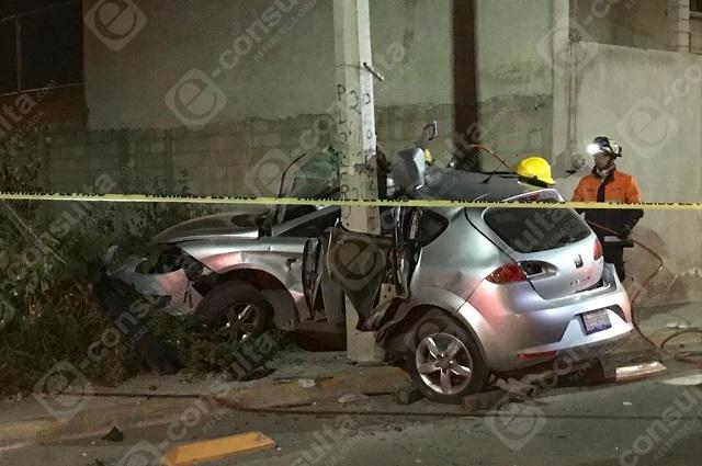 Choca contra poste de concreto y muere en bulevar Carmelitas