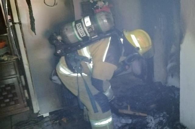 Par de incendios en Cholula moviliza a cuerpos de bomberos