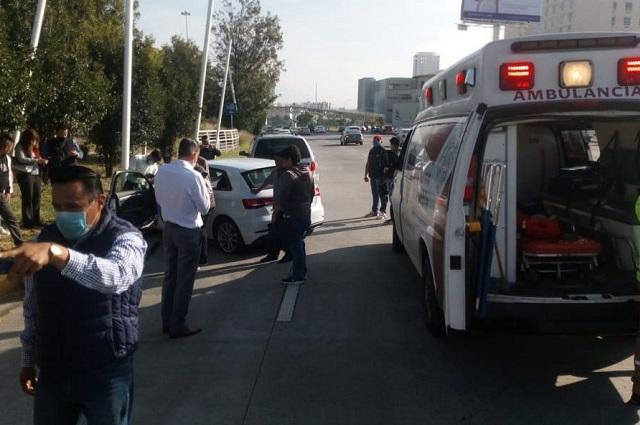 Automovilista se infarta cuando conducía en la Vía Atlixcáyotl