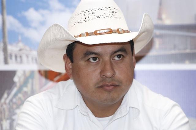 Pide licencia edil de Zacapoaxtla y va en busca de diputación local