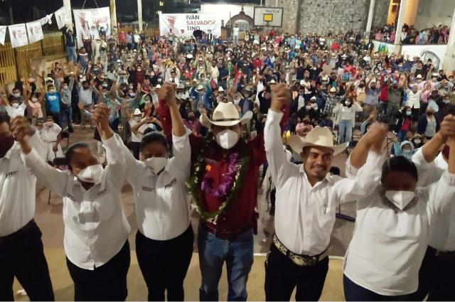 Distrito de Zacapoaxtla respalda a Ebodio Santos Alejo