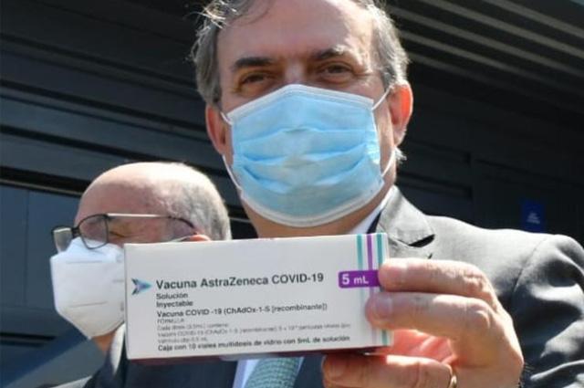 AstraZeneca alista más de 77 millones de vacunas para México