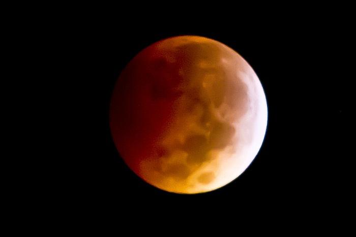 Por tercera ocasión en menos de un año, habrá eclipse total de Luna