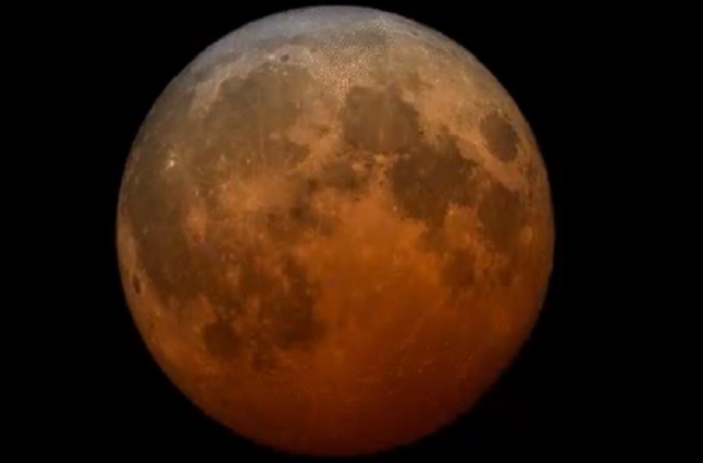Así se vio el eclipse total de superluna esta madrugada