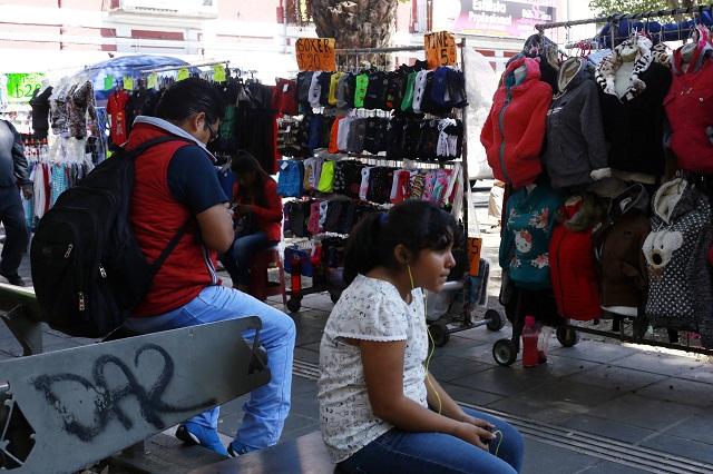 Policías cierran Centro de Puebla para evitar regreso de ambulantes