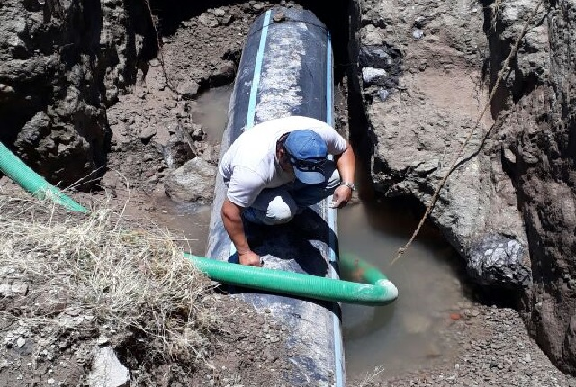 Agua de Puebla realiza mantenimiento en línea al sur de la capital