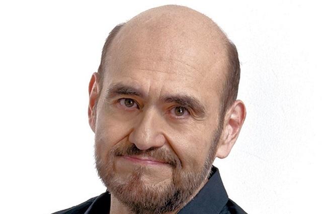 Esta es la cara del Señor Barriga al ver foto de él con elenco del Chavo del 8