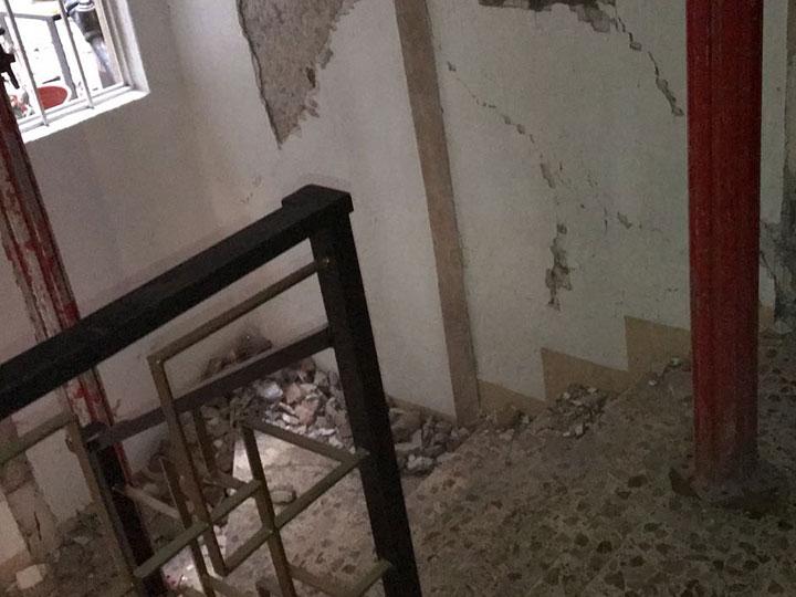 Graban el interior de un edificio dañado por el sismo del 19-S