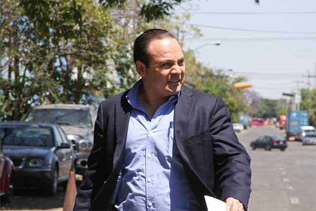 Edil de Tlajomulco veta a Ford y a Chevrolet y no les comprará autos