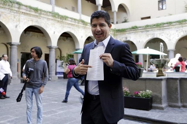 Juez frena que inhabilitación Eduardo Rivera se publique en registro oficial