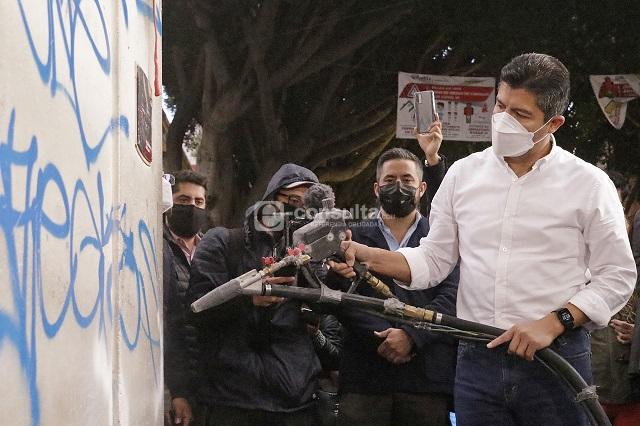 Va Rivera Pérez contra los grafitis en el centro histórico
