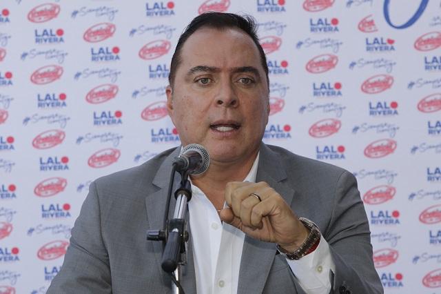 Rivera Santamaría presume promoción y dice que le sale gratis