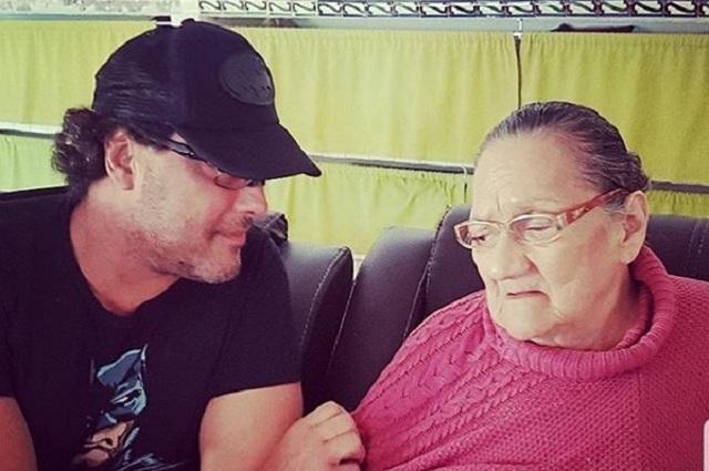 Video: Eduardo Yáñez hace emotivo video tras el fallecimiento de su mamá
