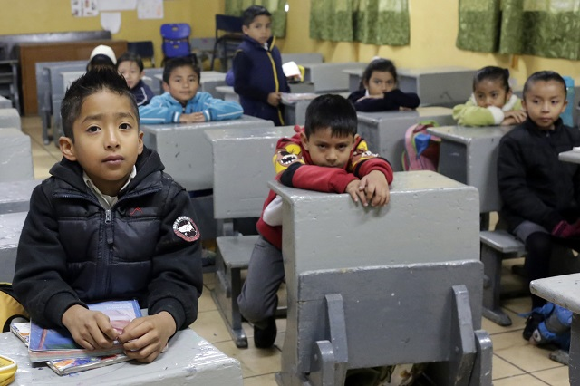 Presenta INEE proyecto para observar la práctica docente en el aula
