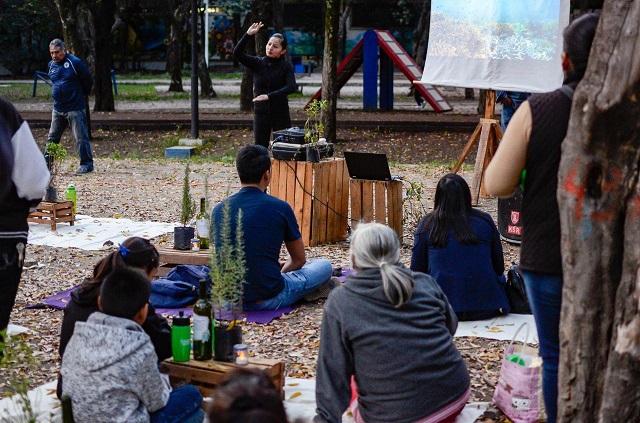 Dan educación ambiental con lenguaje de señas, en Puebla
