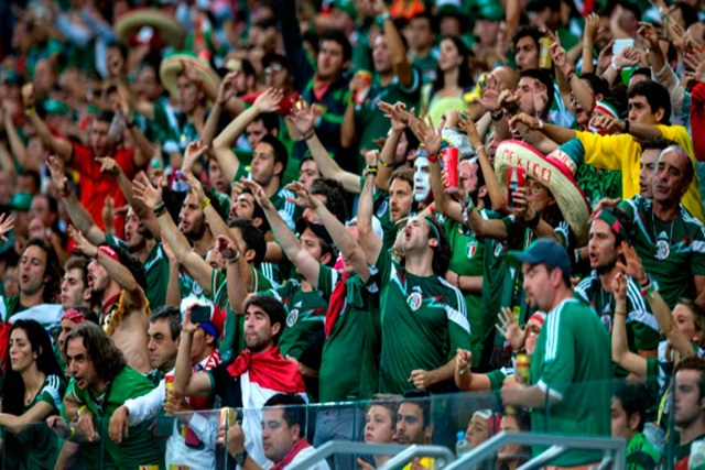 Sacan a 2 mexicanos de estadio ruso por gritar Ehhh, Puto