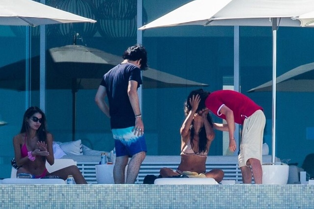Captan a Eiza González y Timothée Chalamet besándose en playas mexicanas