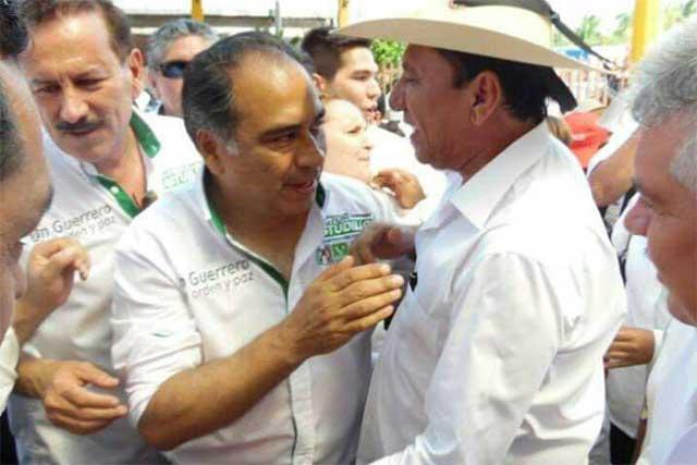 Ejecutan en Guerrero a exalcalde de Coyuca de Catalán y asesor de Astudillo