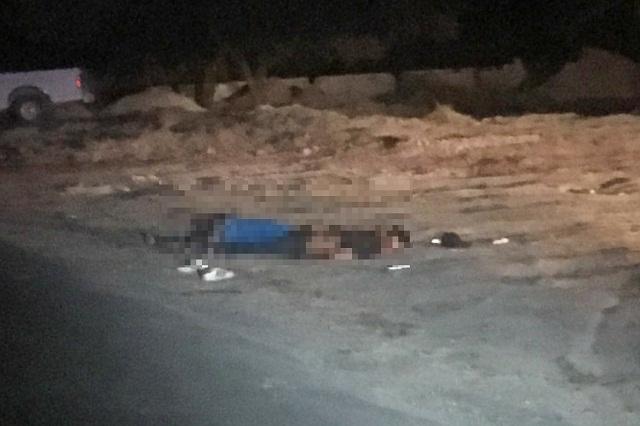 Ejecutan a dos y dejan herida a mujer en carretera a Valsequillo