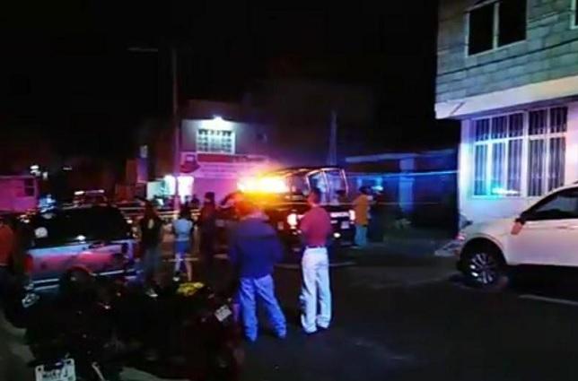 Motociclista acribilla a conductor en Tehuacán