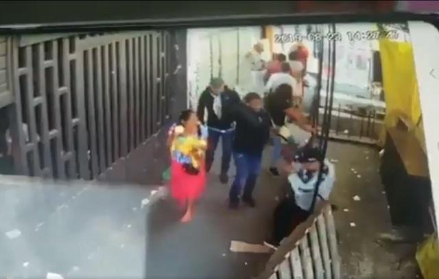 Cámaras captan a sicarios que ejecutan a un hombre en La Merced