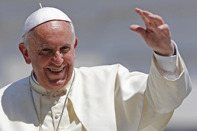 El Papa Francisco prohíbe vender cigarros en El Vaticano