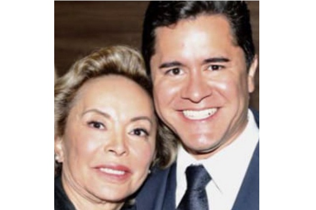 Elba Esther se enamoró de su abogado en la cárcel y ya vive con él