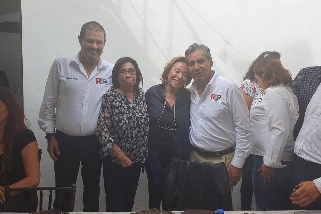 Puebla echa la mano a Elba Esther para fundar nuevo partido