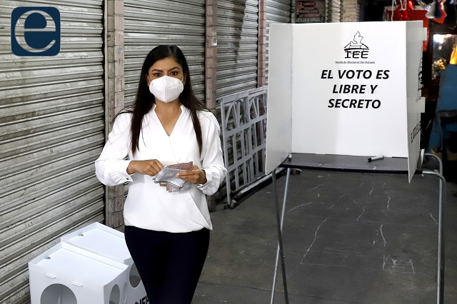 Vota Claudia Rivera y demanda una elección limpia y pacífica