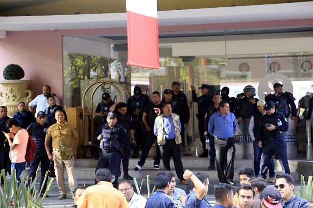 Se amparan morenistas contra detenciones por trifulca en MM