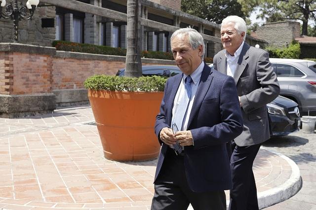 Cárdenas: No negocié con Giles una candidatura para su esposa