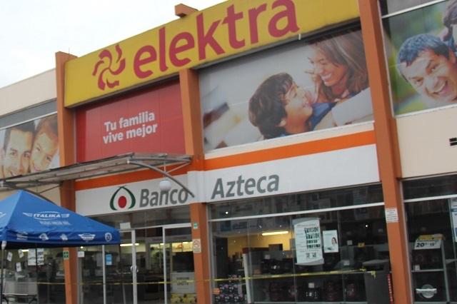 Cliente compra 2 celulares por 200 pesos por error de Elektra