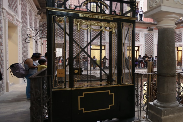 ¿Sabías que el primer elevador de Puebla se sigue usando?