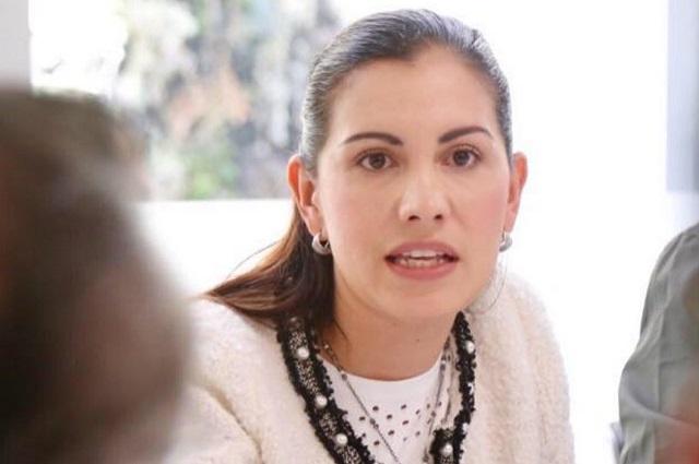 Suspende Twitter cuenta de diputada por afirmar que la homofobia no existe