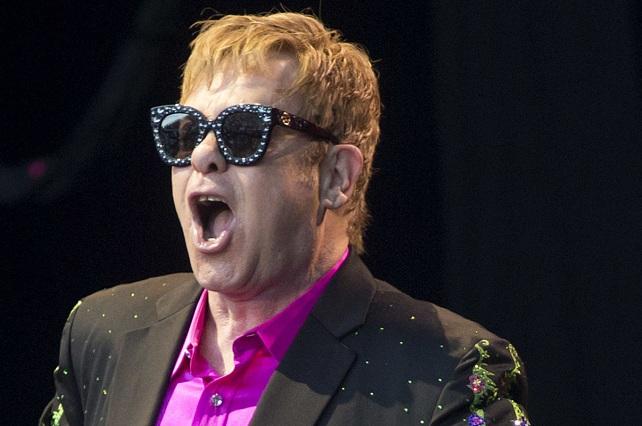 Elton John convoca a los medios para anunciar su futuro