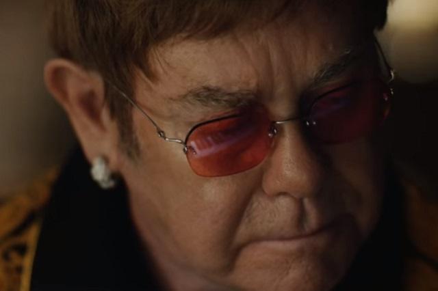 Elton John y su piano, una hermosa historia de navidad
