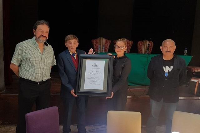 Rinden homenaje al dramaturgo David Olguín