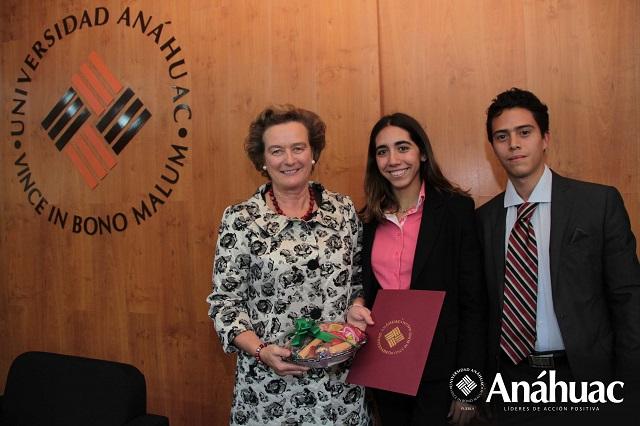 Embajadora de Irlanda en México imparte conferencia a la Anáhuac