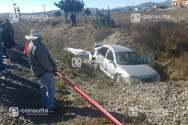Tren embiste vehículo en Cañada Morelos con saldo de 3 muertos