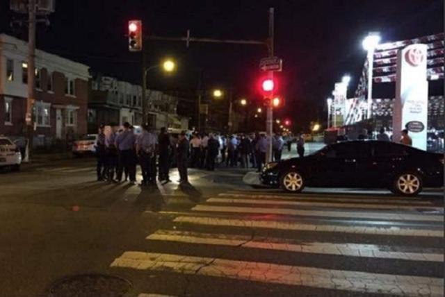 Emboscada a policías de Filadelfia deja un saldo de 2 personas muertas