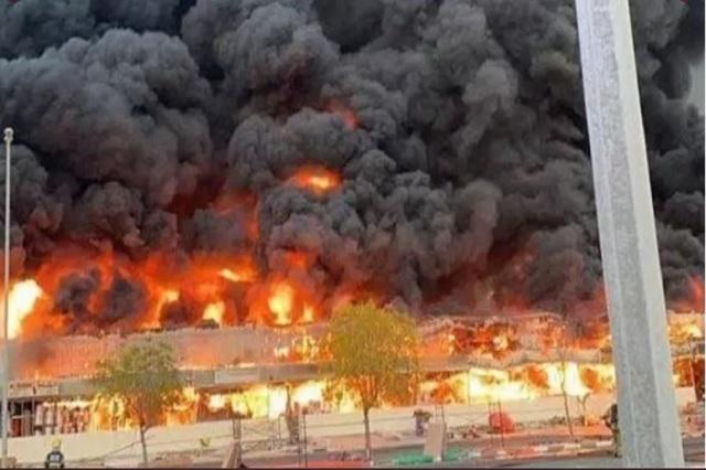 Así las imágenes del gran incendio que ocurrió en Ajmán