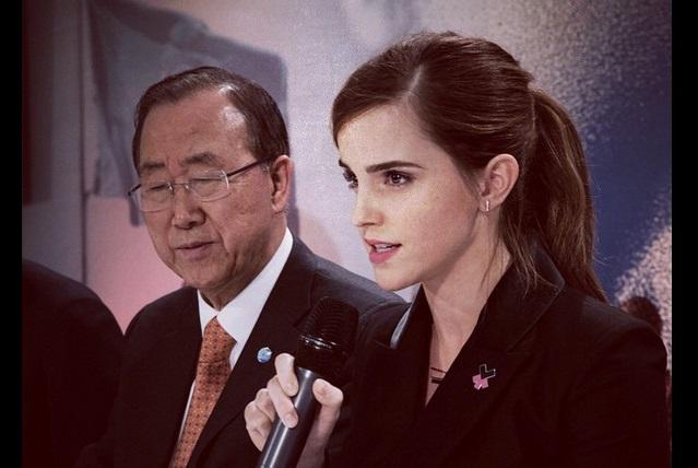 Así luce Emma Watson en el primer tráiler de La bella y la bestia