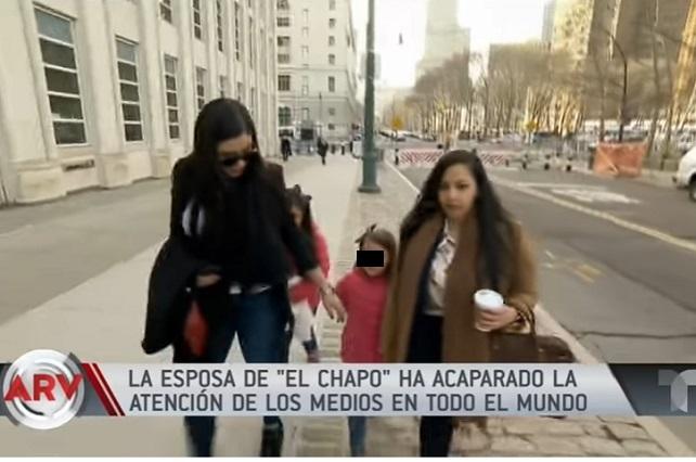 La esposa del Chapo viste de lujo y así va al juicio de su esposo