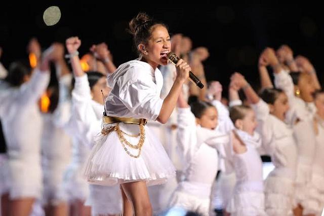 ¿Quién es la niña que cantó con Jennifer Lopez en el show del Súper Bowl?